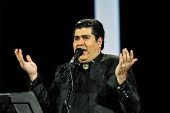 حضور فرزانه کابلی در کنسرت سالارعقیلی، با انتقاد شدید کیهان روبرو شد