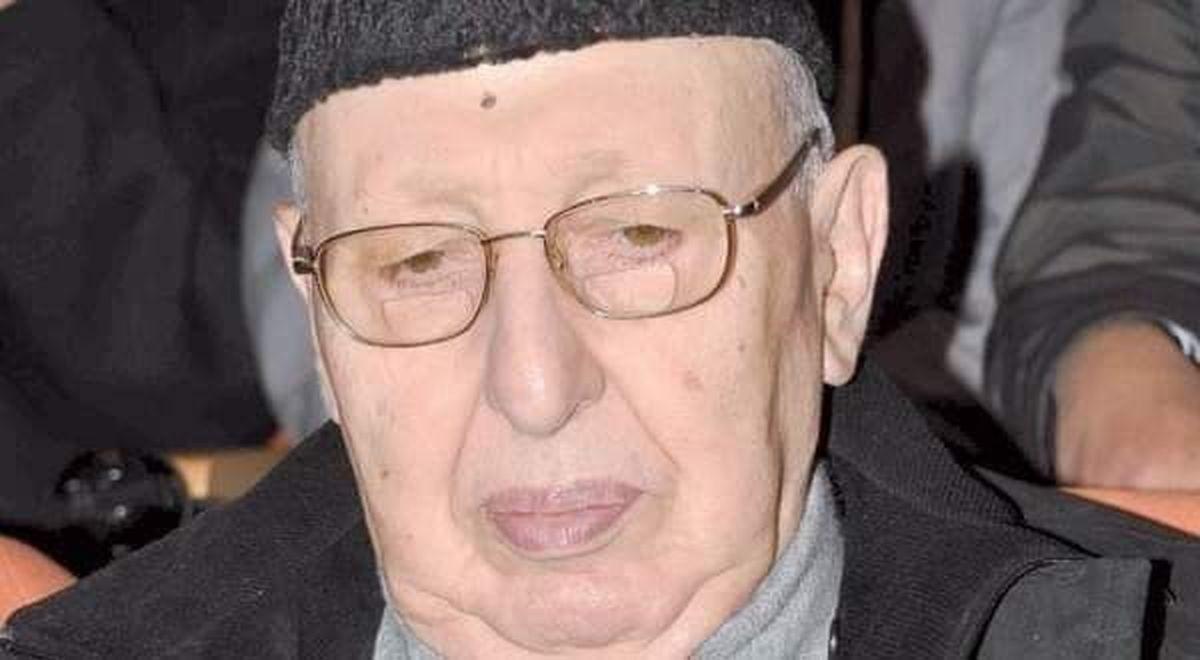 درگذشت نخست وزیر پیشین الجزایر