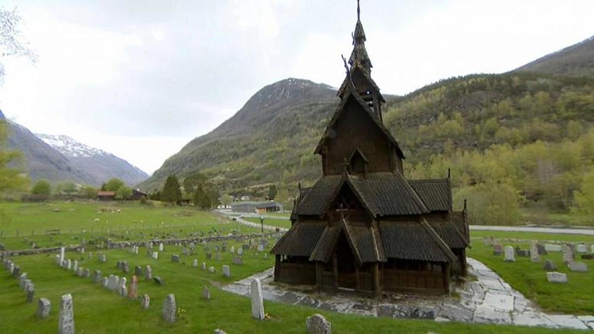 با وجود شیوع کرونا  کلیسا  ها نباید تمیز شوند