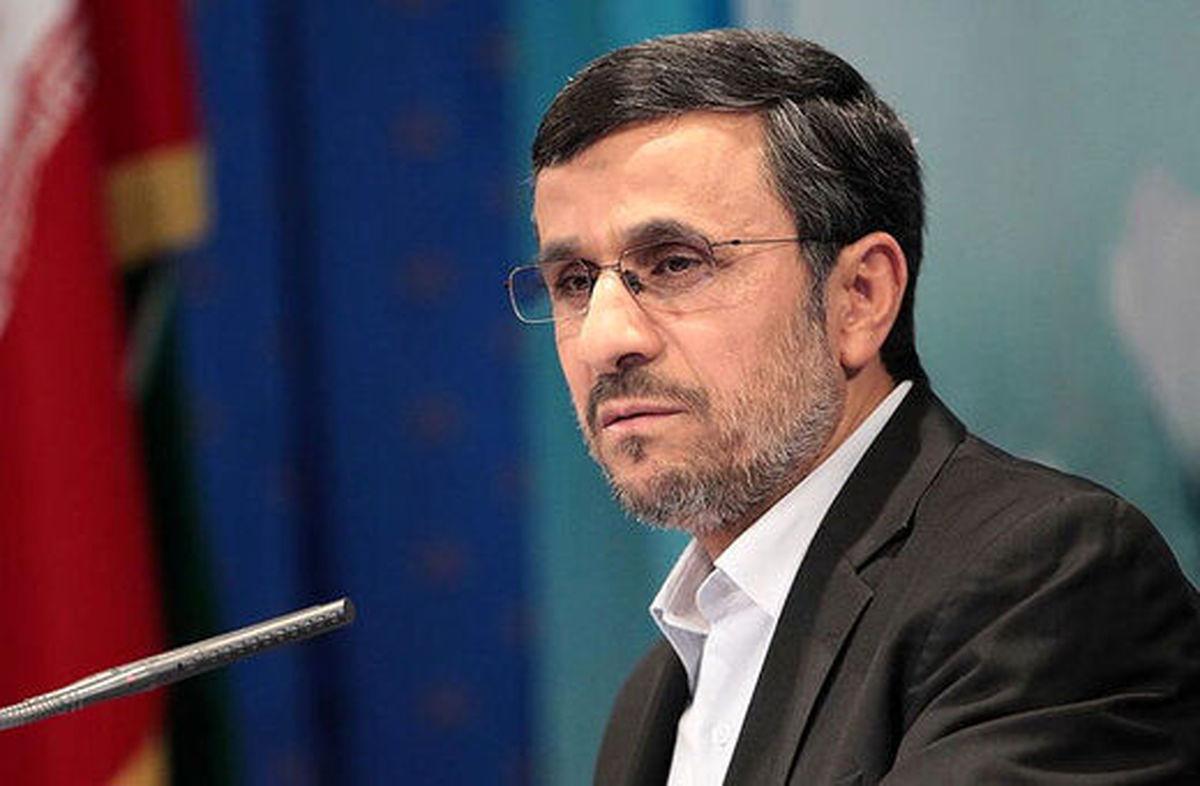 کار عجیب و غریب احمدینژاد از نگاه رهبر انقلاب