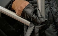 دستهای مضطرب در مترو