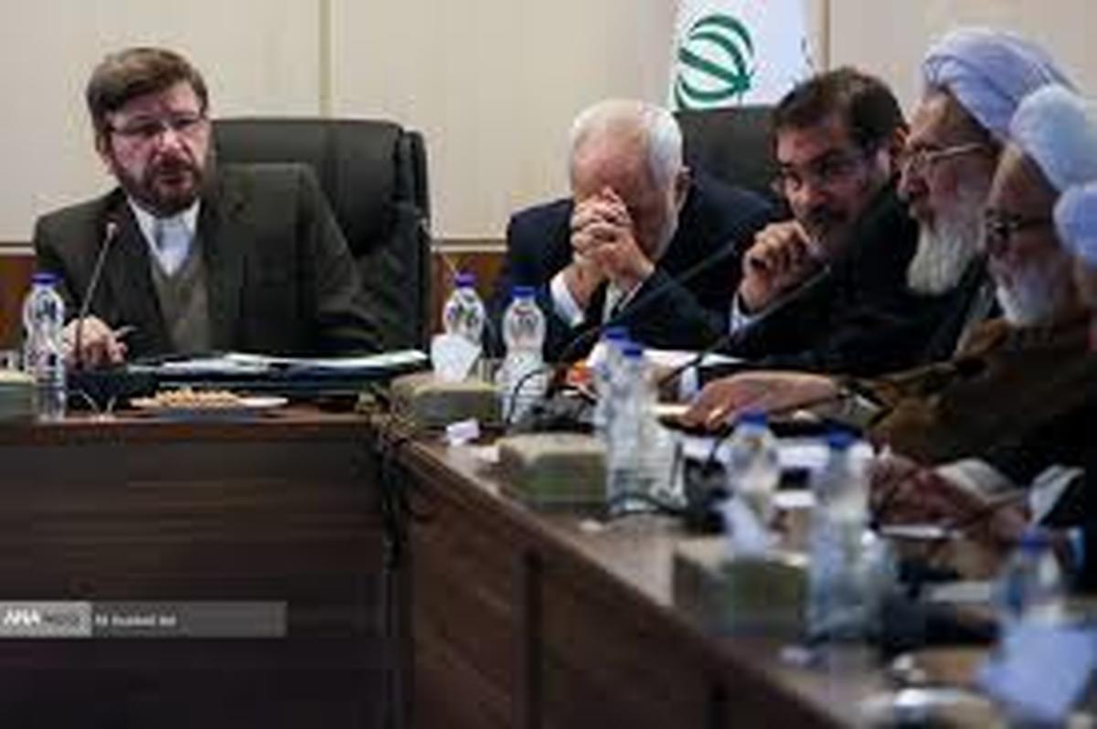 احمد توکلی: ظریف نتوانست مجمع را قانع کند