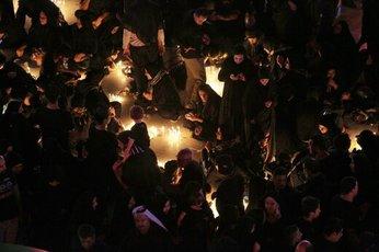 عامل قربانی شدن ۳۱ نفر در کربلا چه بود؛ افتادن یک نفر یا سقوط دیوار بتنی؟