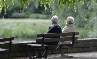 دو مورد از چالشهای دوران بازنشستگی