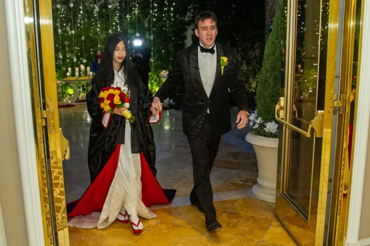 ازدواج پنجم نیکلاس کیج با دختر ۲۶ ساله ژاپنی که ۳۰ سال از او کوچکتر است