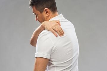 درد بالای کمر و نشانههایی نگران کننده