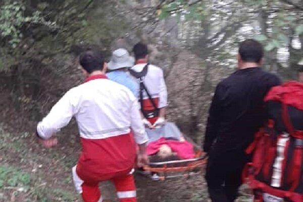 سقوط یک جوان از کوه در منطقه قلعه بن فومن