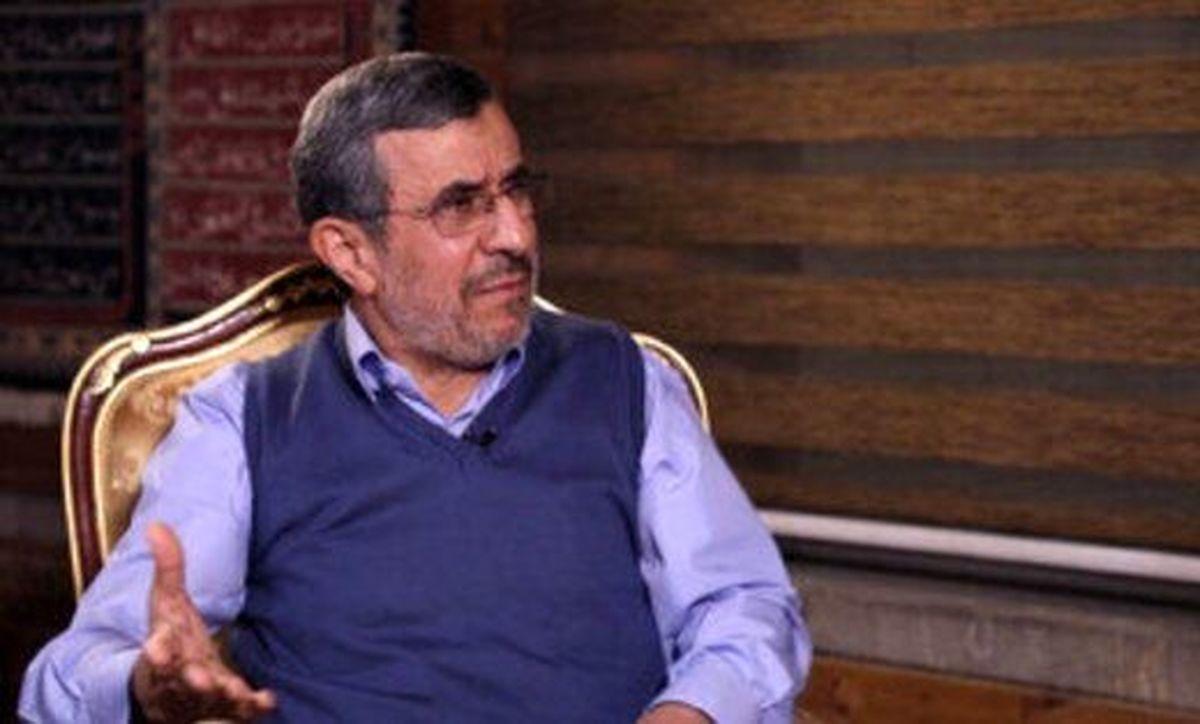 روایت کیهان از دلیل حمایت رهبر انقلاب از دولت احمدی نژاد