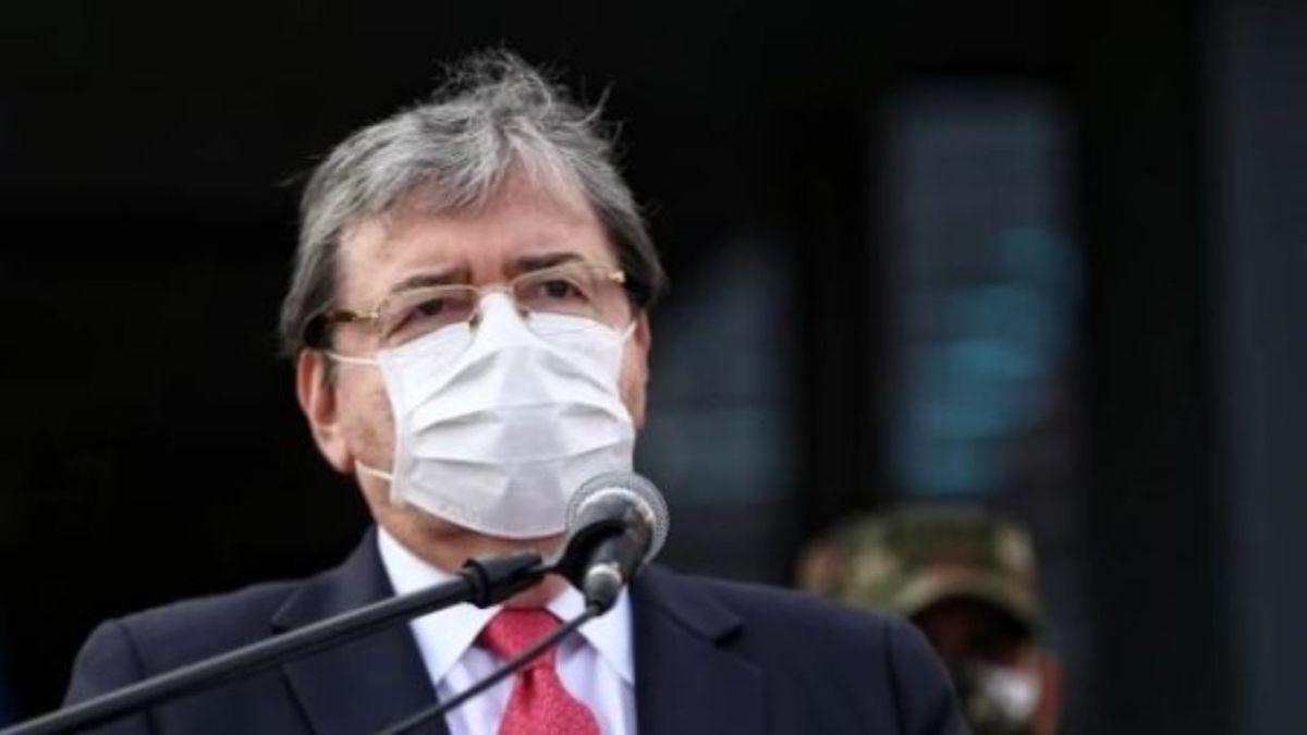 کرونا     وزیر دفاع کلمبیا درگذشت.