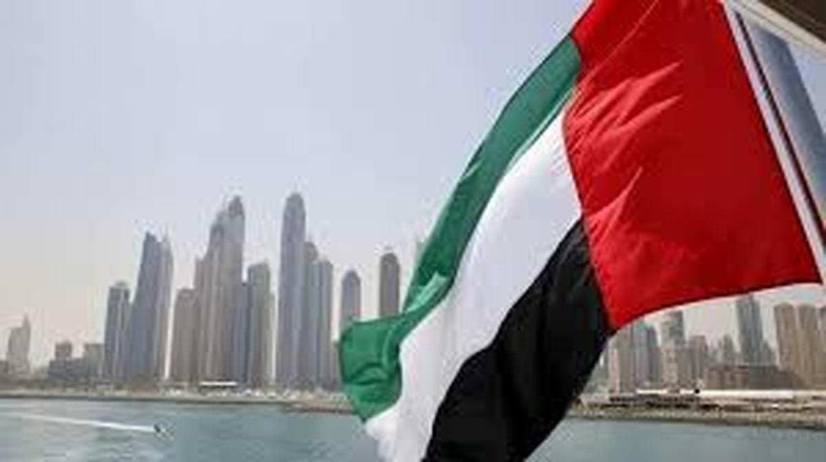 ویزا   تعدادی از هموطنان موفق به اخذویزای امارات شدهاند.