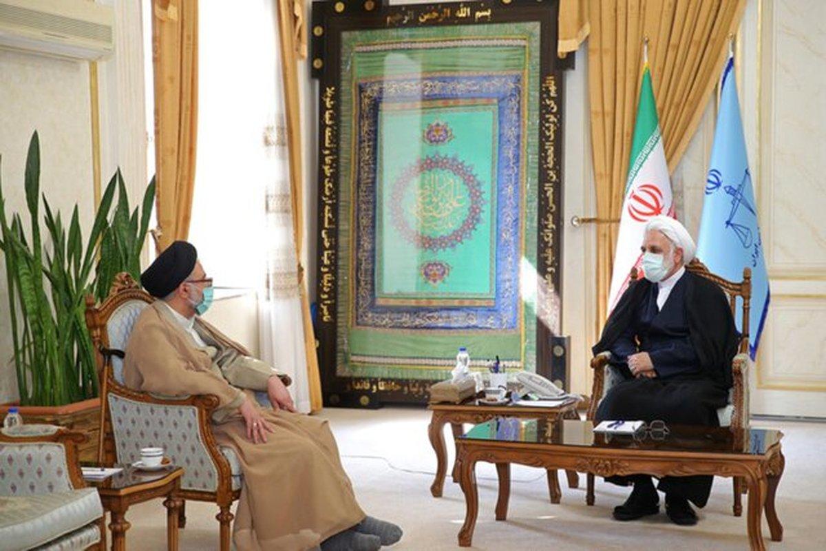 وزیر اطلاعات به دیدار رئیس قوه قضائیه رفت