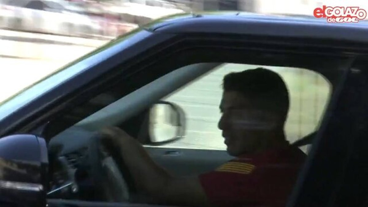 فوتبال  |   خداحافظی سوارس با چشمان گریان از بارسلونا