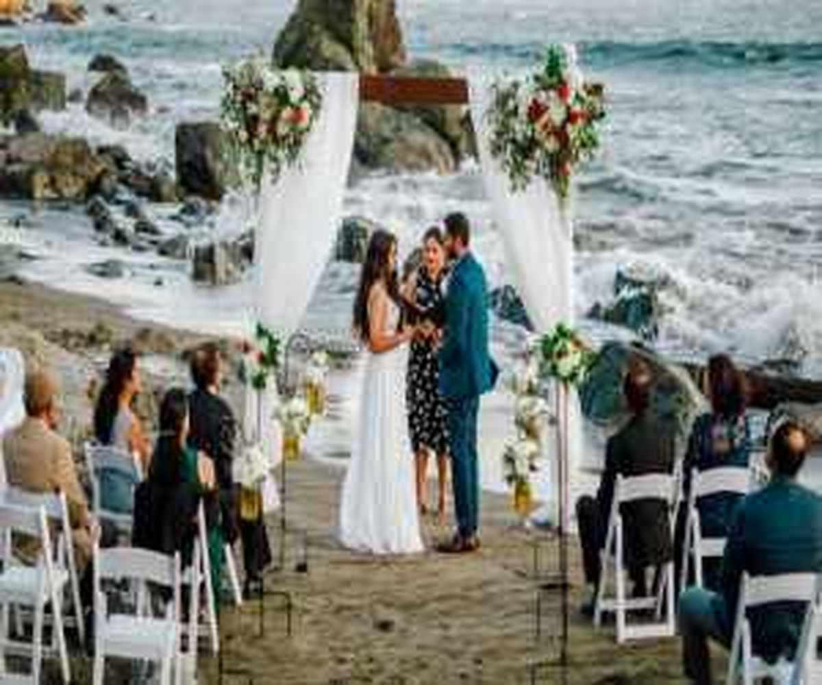 عجیب ترین کار برای پیچوندن عروس در روز عروسی