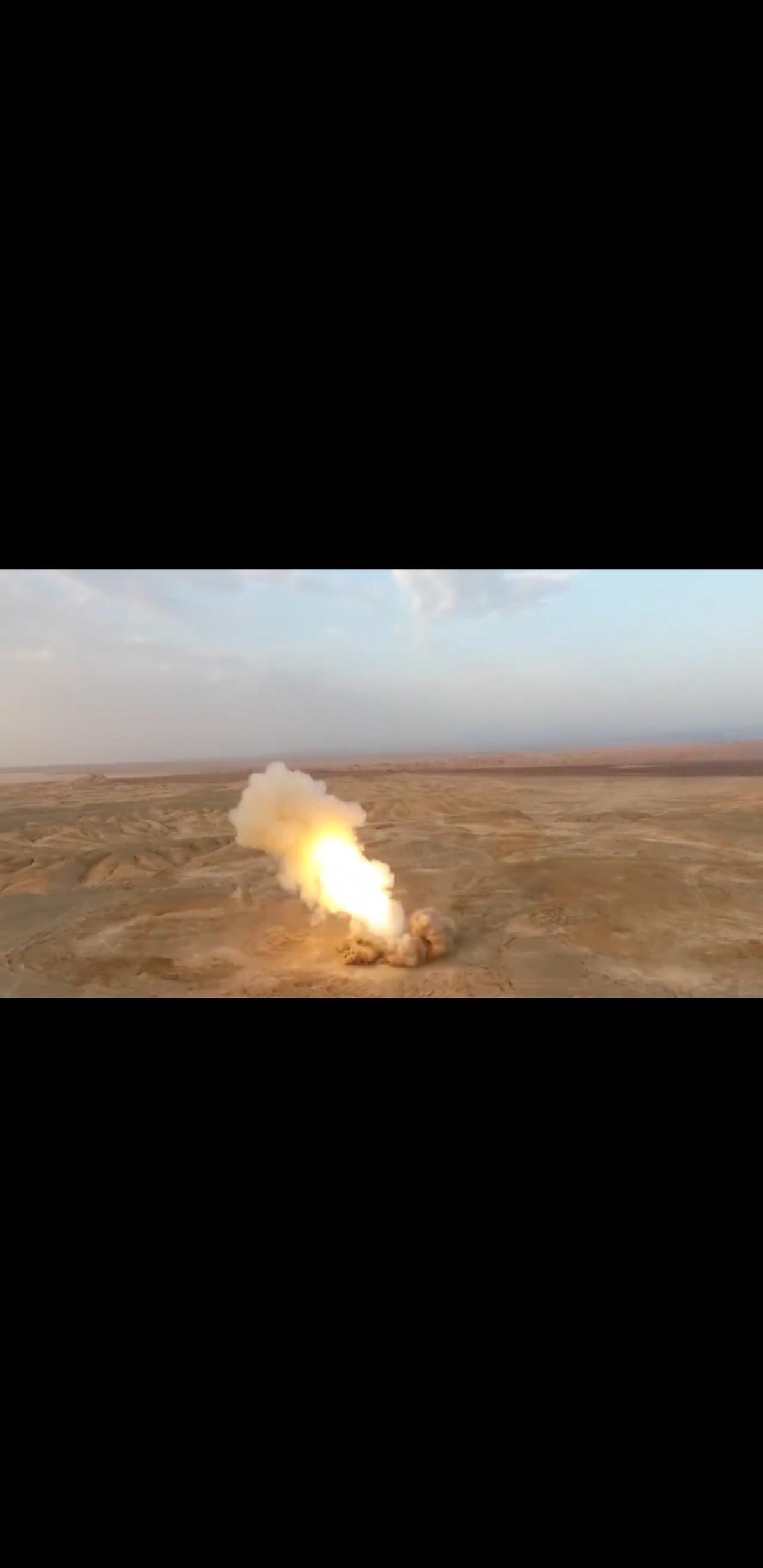 شلیک موشکهای بالستیک سپاه از اعماق زمین + ویدئو