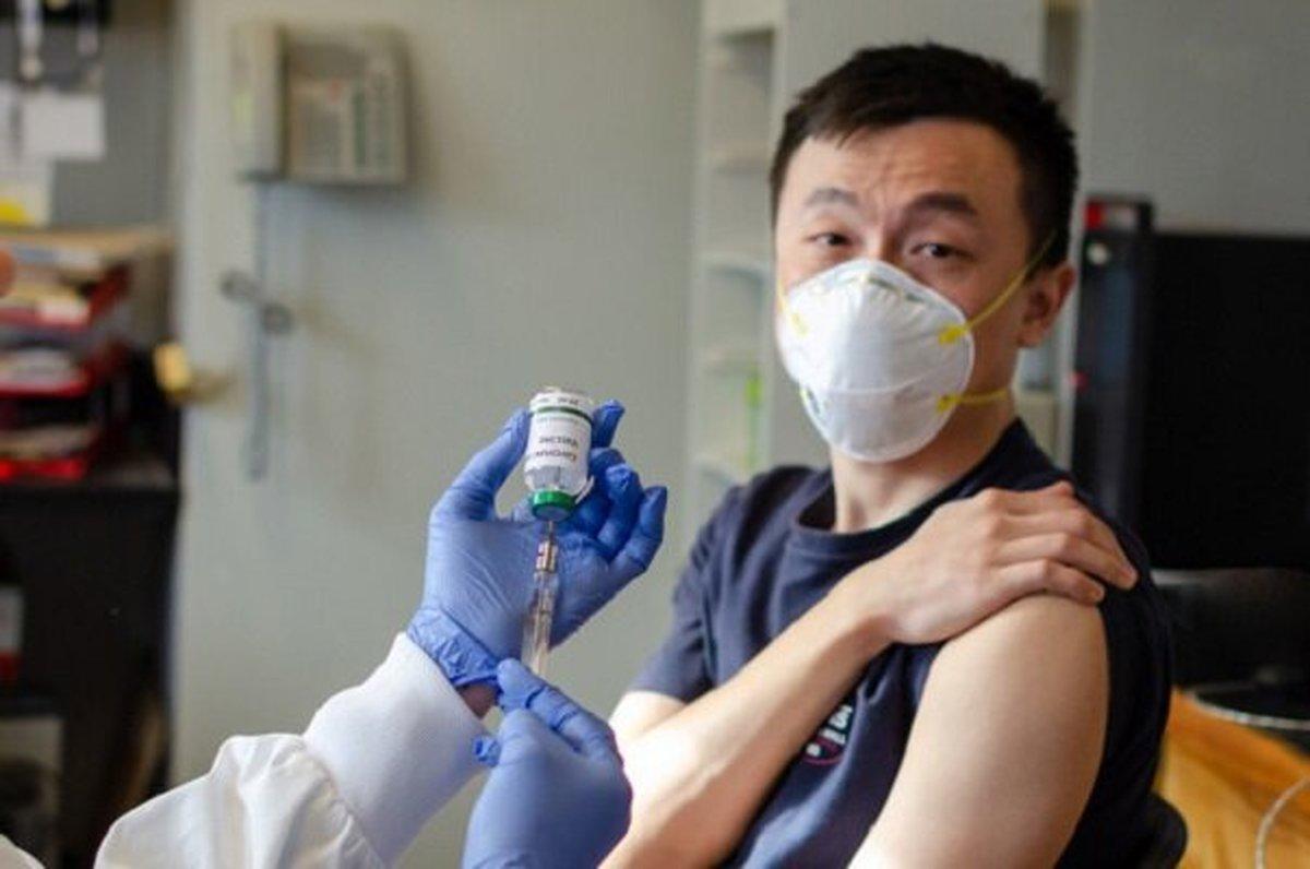 پکن: فقط به کسانی که واکسن چینی بزنند، ویزا می دهیم