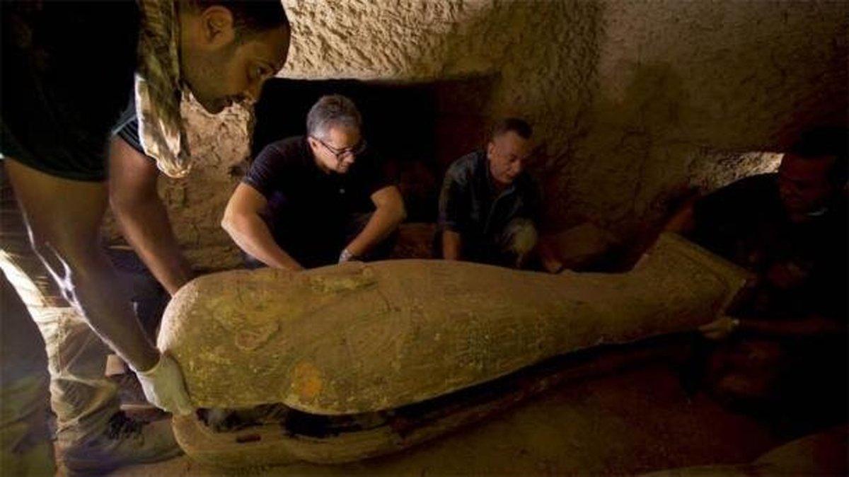۱۳ تابوت مهر و موم ۲۵۰۰ساله در مصر کشف شد