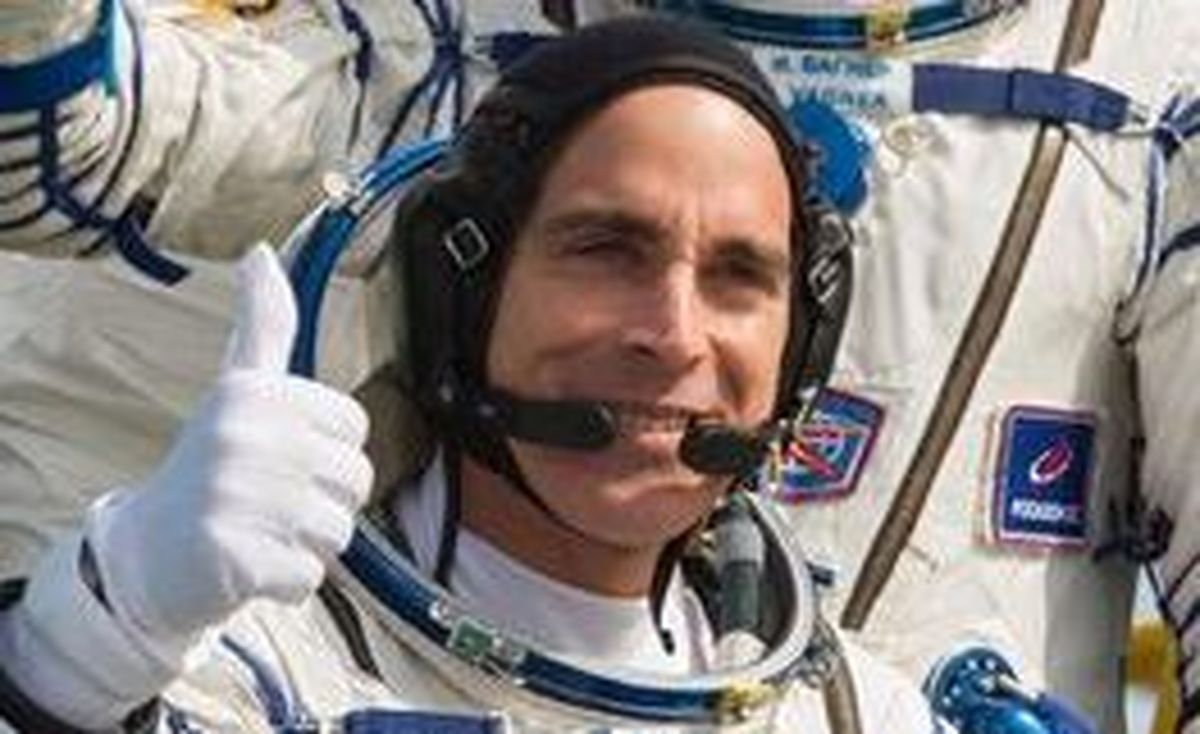 فضانورد ناسا می خواهد به زمین برگردد+ عکس