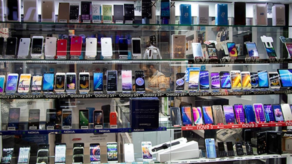 کاهش قیمت گوشی در بازار تلفن همراه روند نزولی دارد