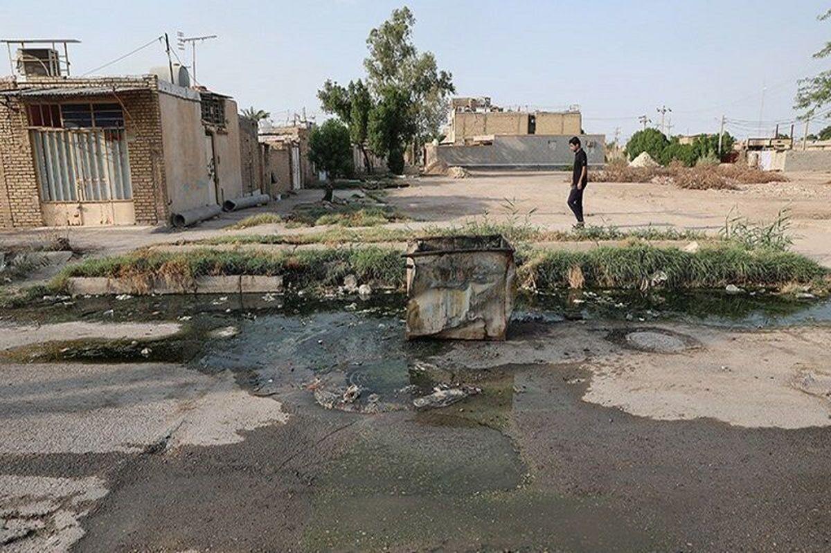 سرریز فاضلاب خانگی به کوچه و خیابانهای آبادان