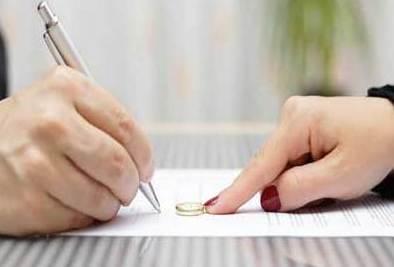 کاهش نرخ طلاق در ایران بعد از ۲۰سال