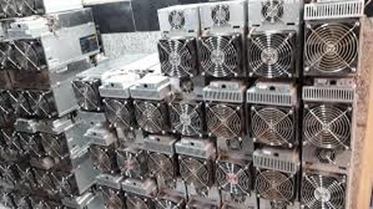 برق | در استان مرکزی 6000 دستگاه ماینر توقیف شد
