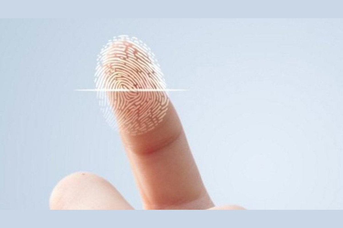 هکرهای چینی قفل گوشی هوشمند را با برداشتن اثر انگشت روی لیوان باز کردند