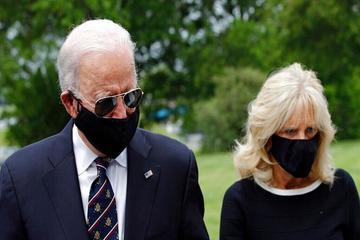 حضوربایدن با ماسک  در یک رویداد عمومی پس از دو ماه