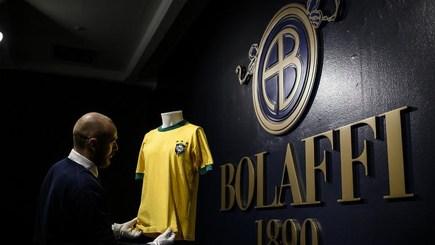 پیراهن پله در حراجی تورین ۳۰ هزار یورو فروخته شد