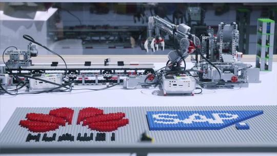 هوآوی با فناوریهای خود کارخانهها را هوشمند میکند