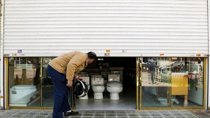 کرکرههای نیمه باز بازار تهران | هستیم، فقط در را بستیم