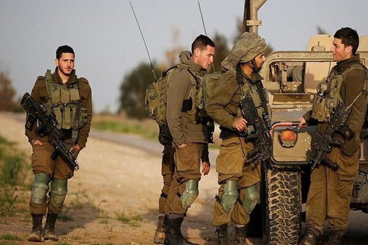 کشتی «ساویز» در دریای سرخ  |  اختلافاتی در بین رهبران ارتش اسرائیلی