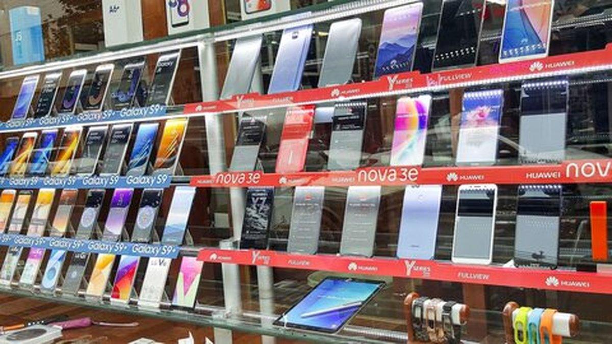 کاهش قیمت موبایل در بازار