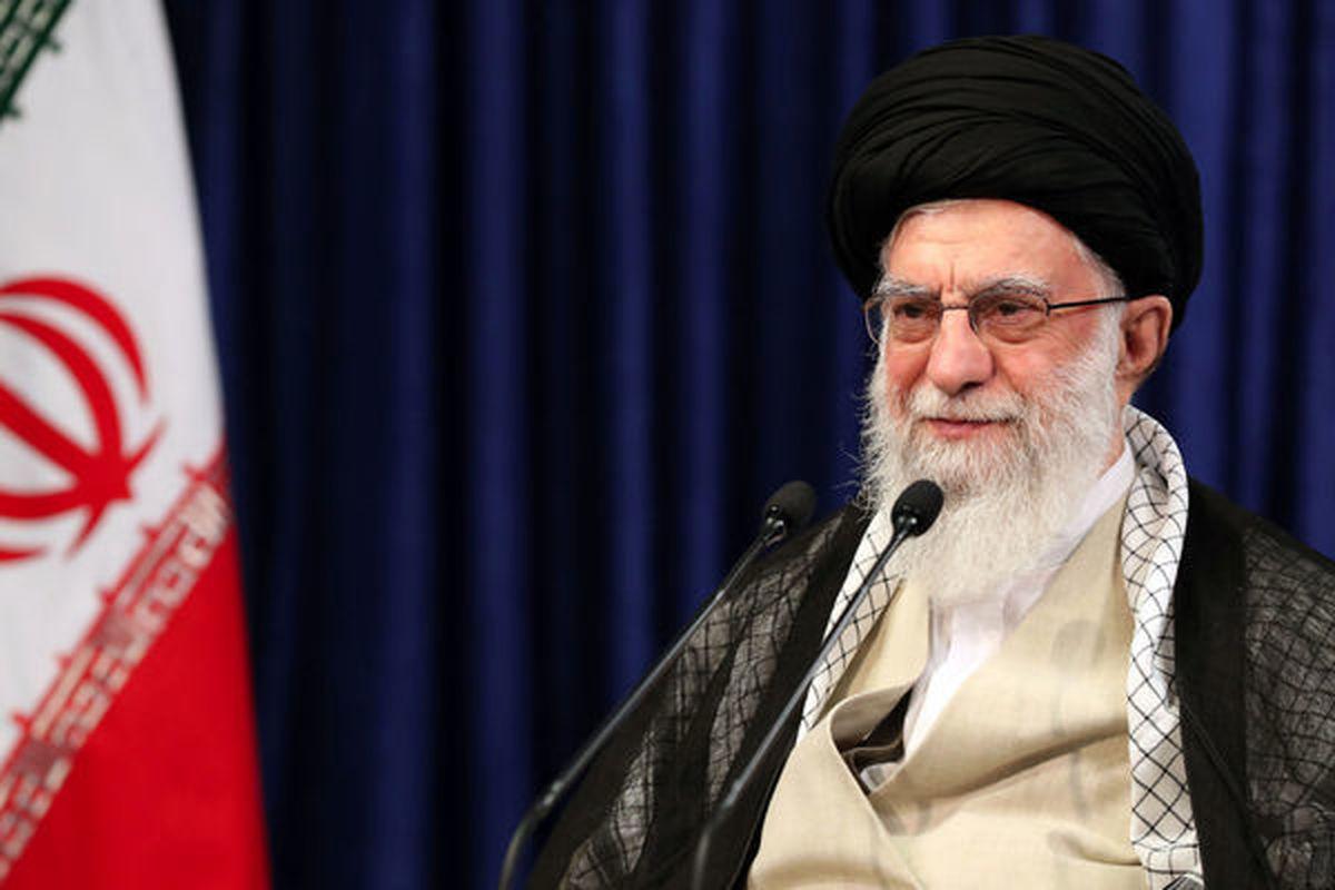 تصویری کمتر دیده شده از رهبر انقلاب + عکس
