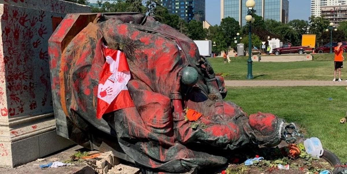 اعتراض شهروندان کانادایی به کشف گورهای جمعی