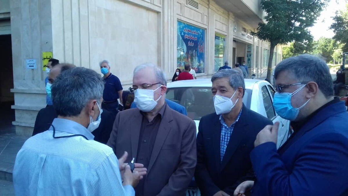 وزیر بهداشت: سرم به زودی در داروخانهها توزیع میشود