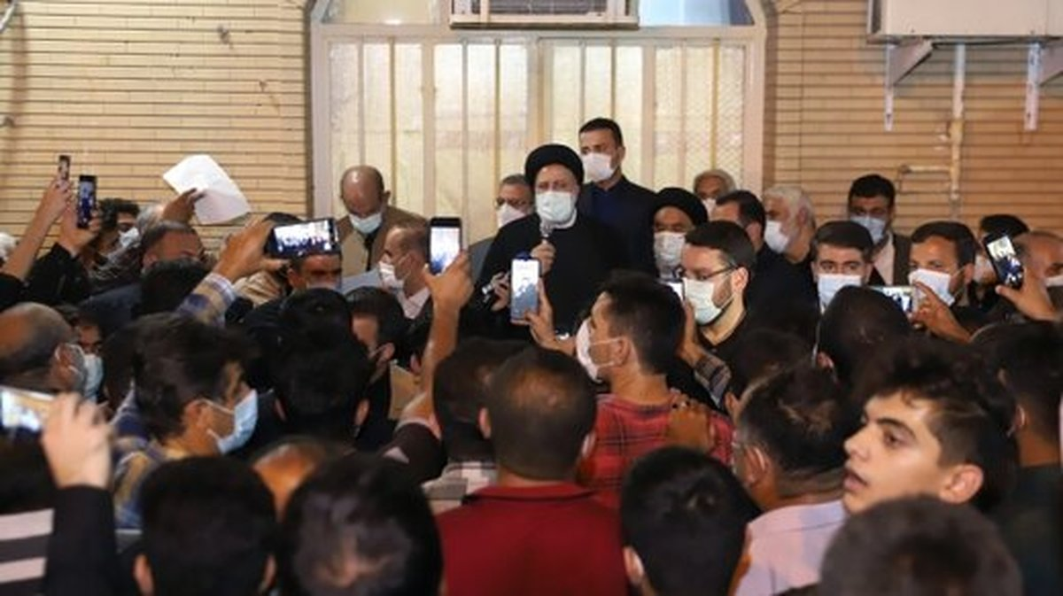 ادامه واکنش ها به سفر استانی زودهنگام رئیسی | شوآف یا مردمی بودن؟