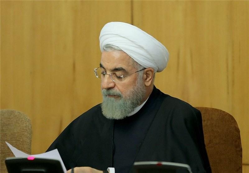 ابلاغ اولویت برنامههای رزم حسینی در وزارت «صمت» توسط روحانی