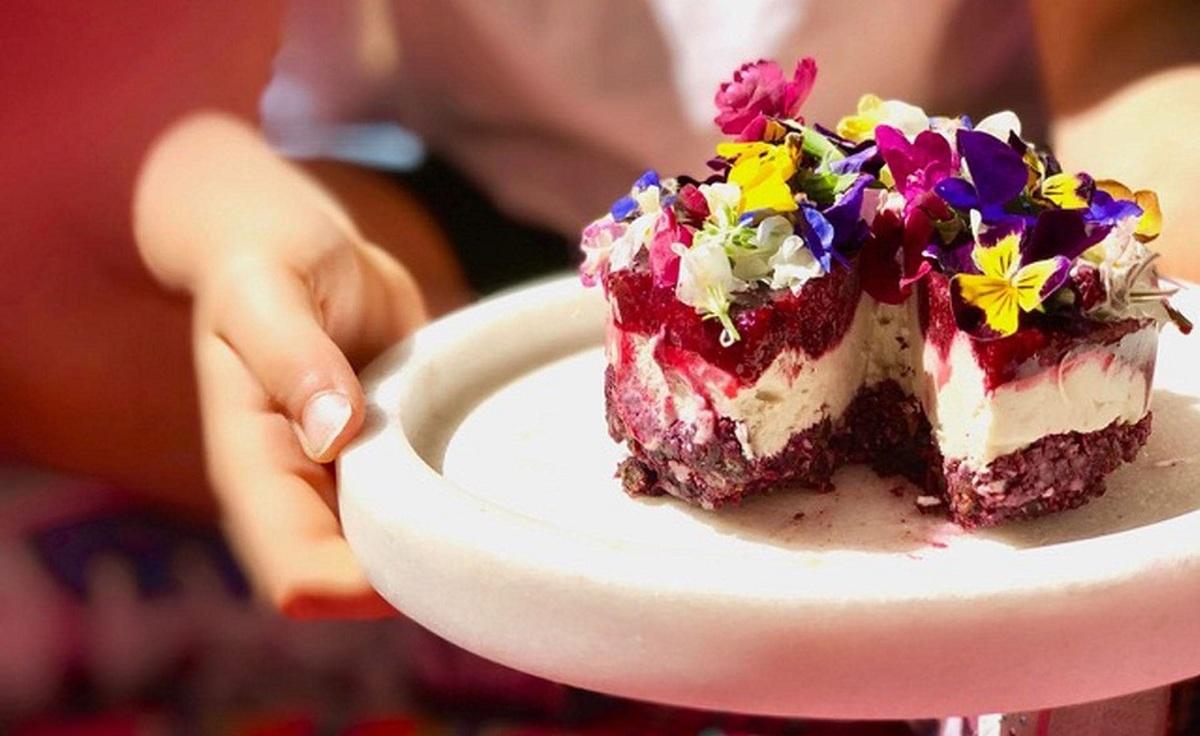 آیا با آداب صحیح دسر خوردن آشنا هستید؟