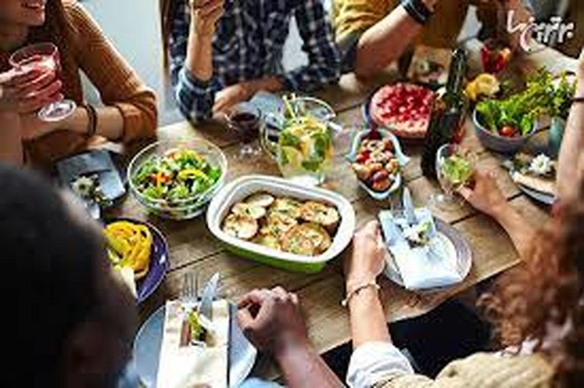 بدترین عادتهای غذایی که به سلامتی شما آسیب میزنند