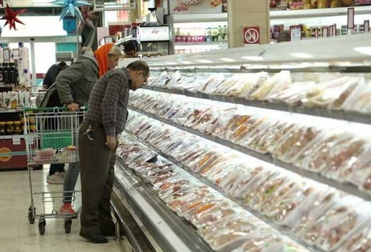 رییس اتاق بازرگانی اراک: کمبود ۳۰۰-۴۰۰ هزار تنی گوشت مرغ در سال ۱۴۰۰
