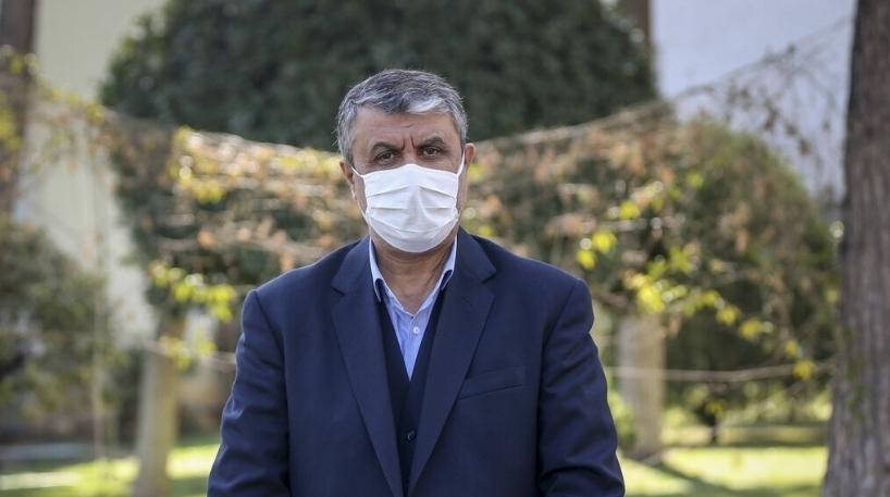 وزیر راه به دلیل عدم رعایت پروتکلهای کرونا، نمایشگاه ریلی را ترک کرد