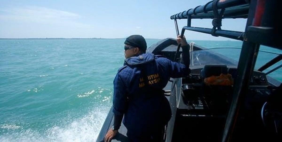 نیروی دریایی مالزی     توقیف شش قایق ماهیگیری چین و دستگیری ۶۰ خدمه