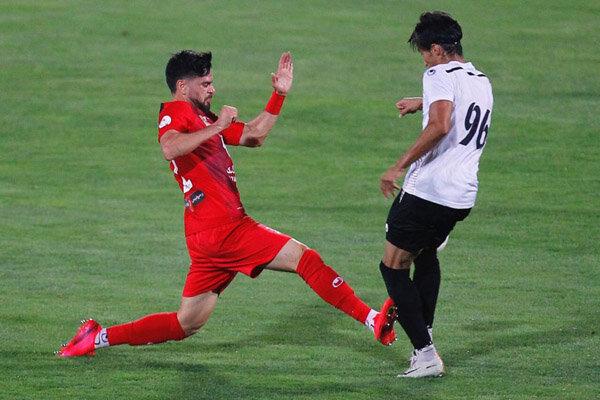 بازگشت مدافع موقت به پست اصلی|گلمحمدی همچنان دنبال بازیکن جدید