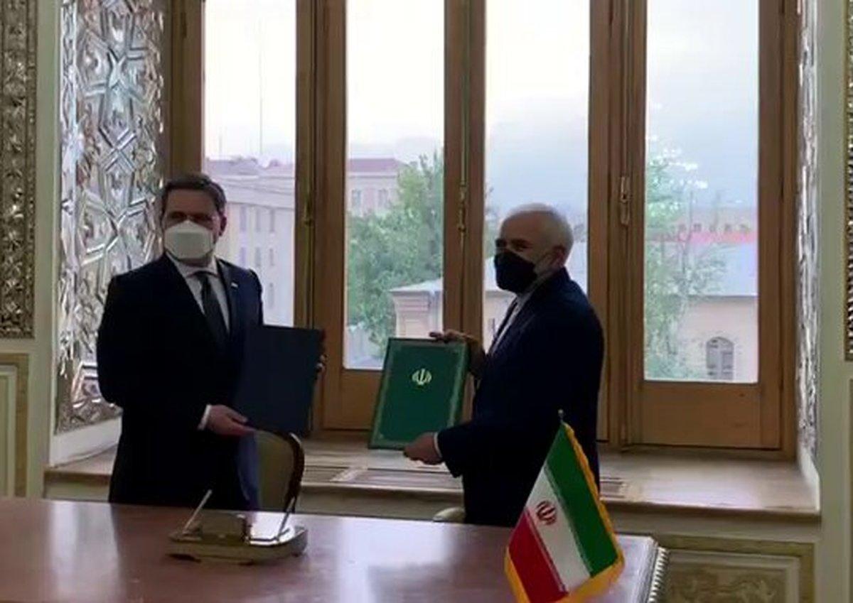 وزرای امور خارجه ایران و صربستان سند همکاری را امضا کردند