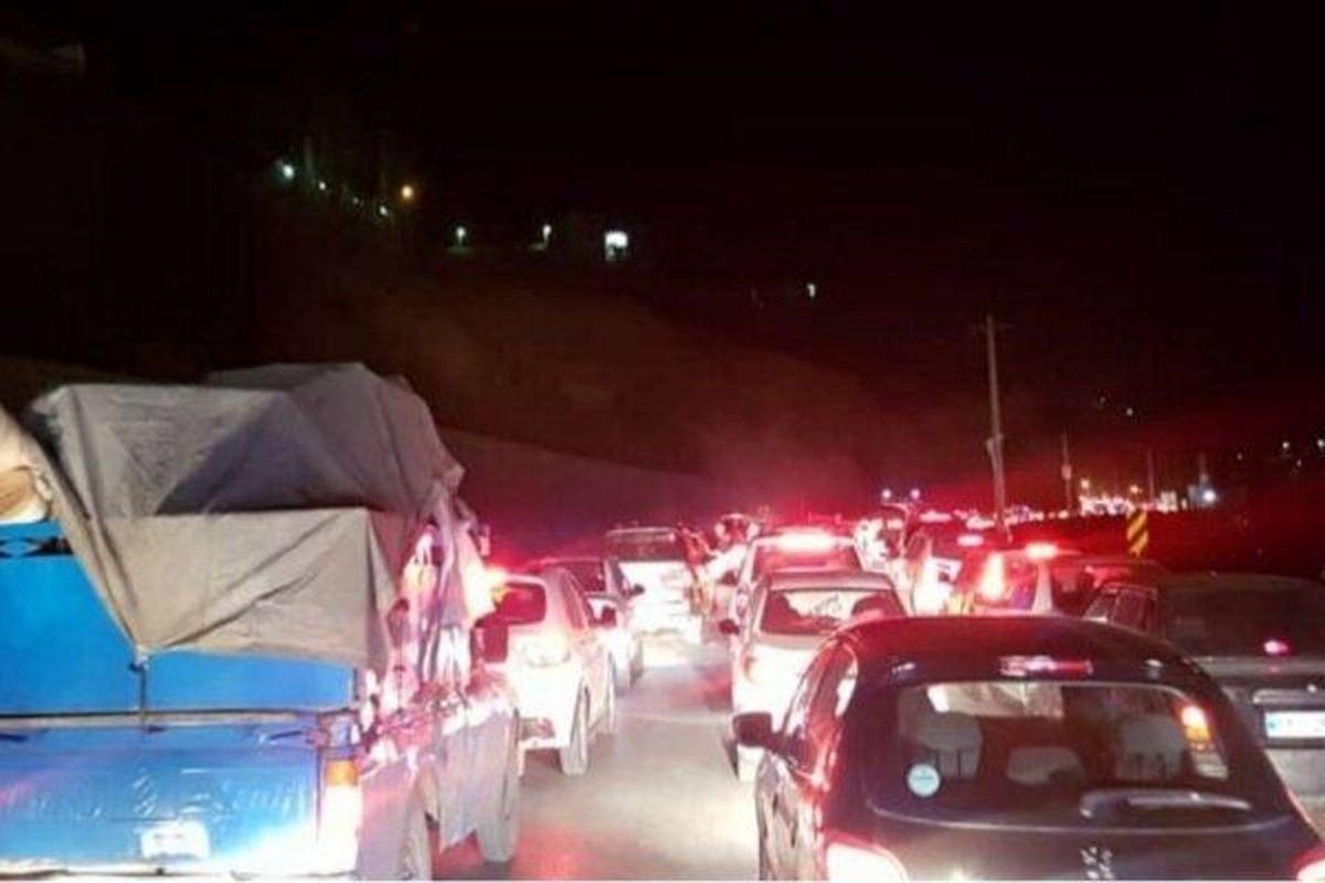 تجمع خودروها در ورودی جاده چالوس +عکس