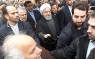 روحانی به جمع راهپیمایان یوم الله ۲۲ بهمن پیوست