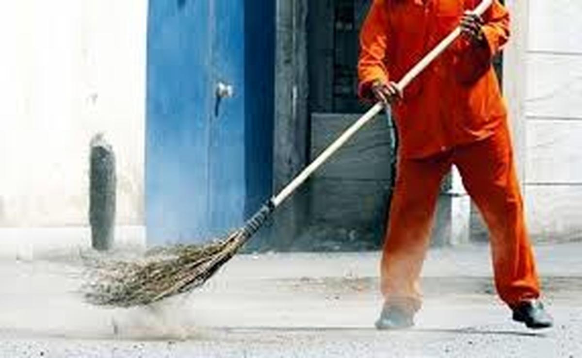 اقدامات بسیار خطرناک شهروندان برای پاکبانان در روزهای کرونایی