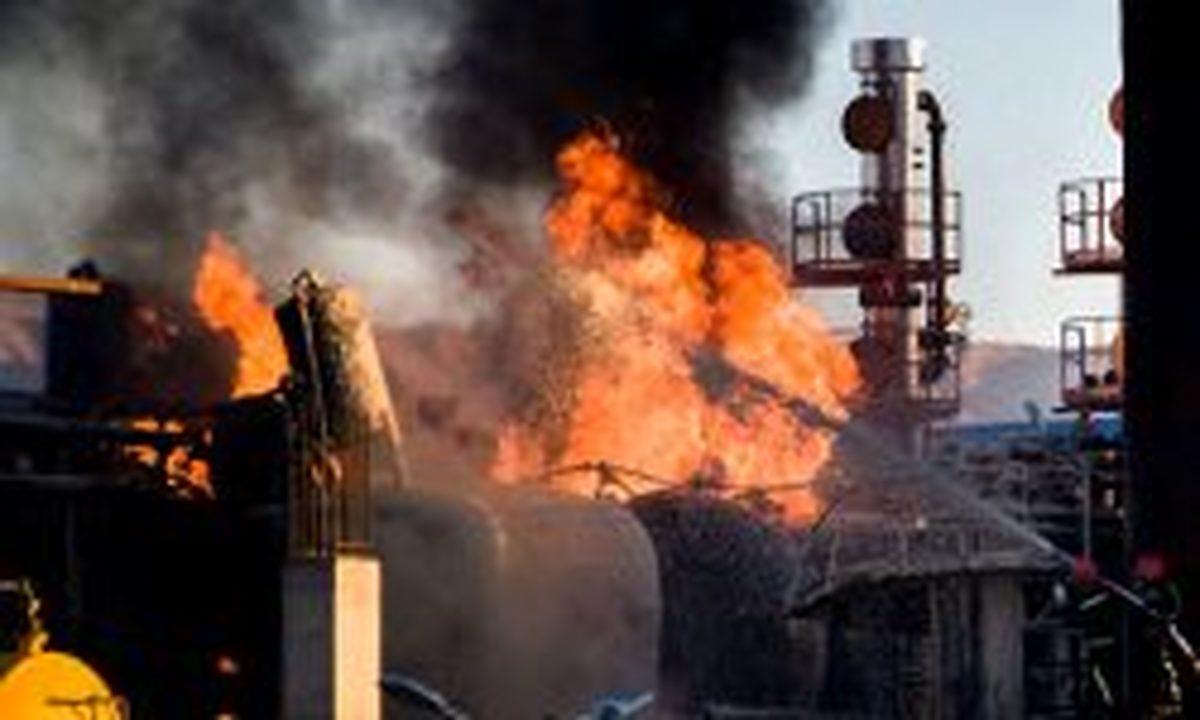توضیح شهردار تهران درباره مهار آتش پالایشگاه: نمیشد تا ۲۰۰ متری حریق بروند