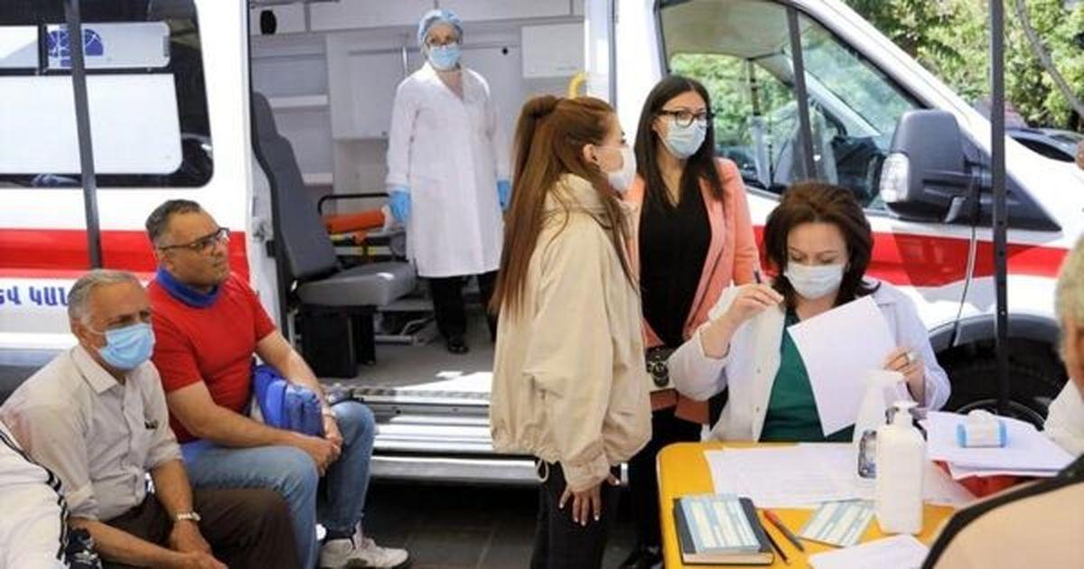 کاهش تعداد سفر ایرانی ها به ارمنستان برای تزریق واکسن