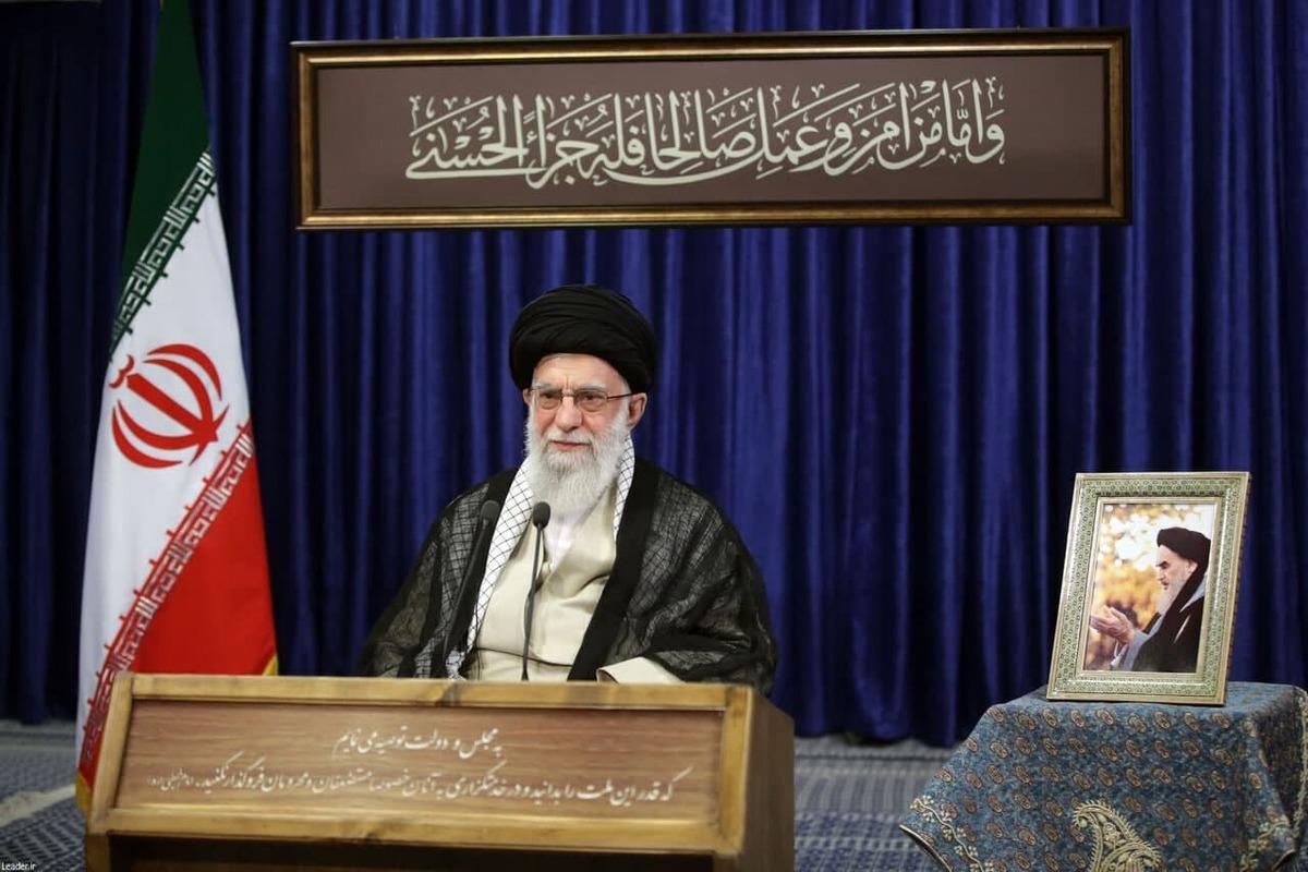 راز ماندگاری نظام این دو کلمه است؛ جمهوری و اسلامی